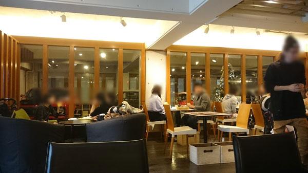Cheval Cafe(シュバルカフェ)の店内の雰囲気