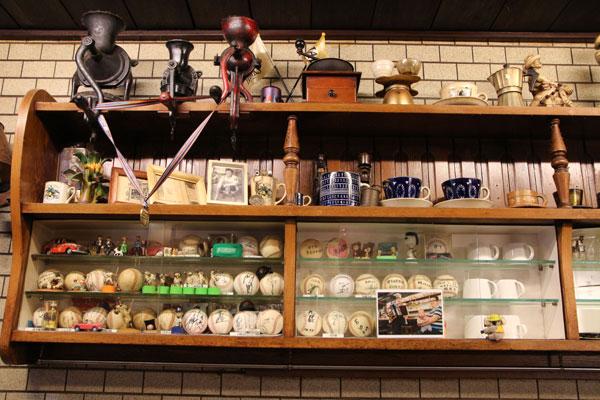 アラビヤコーヒーの店内のカウンター