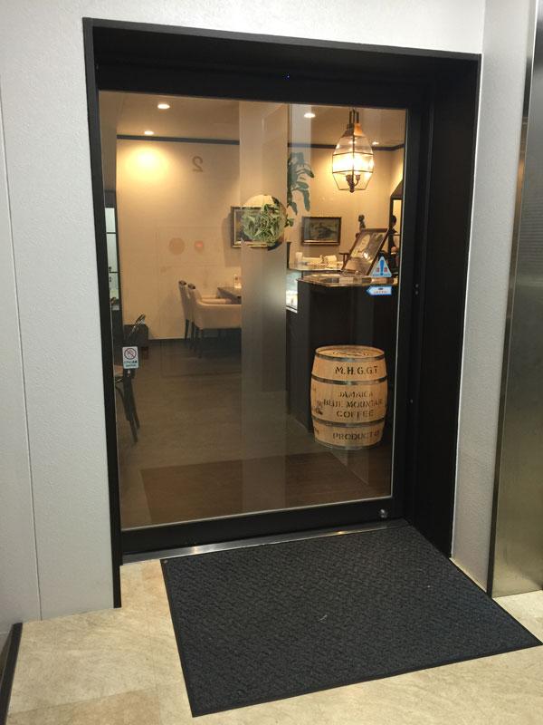 「カフェーパウリスタ」2階の店舗入り口