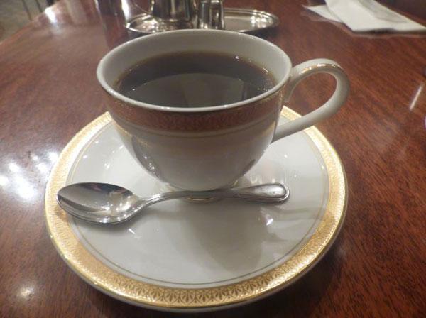 銀座トリコロールで注文したアンティークブレンドコーヒー
