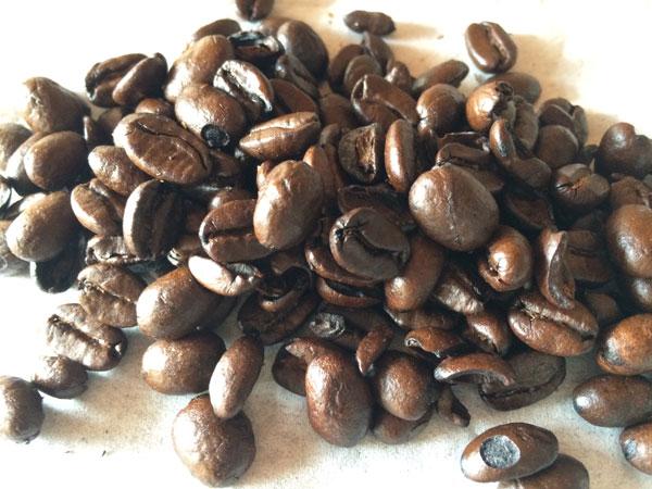 インドネシアとパプアニューギニアのコーヒー豆が使用