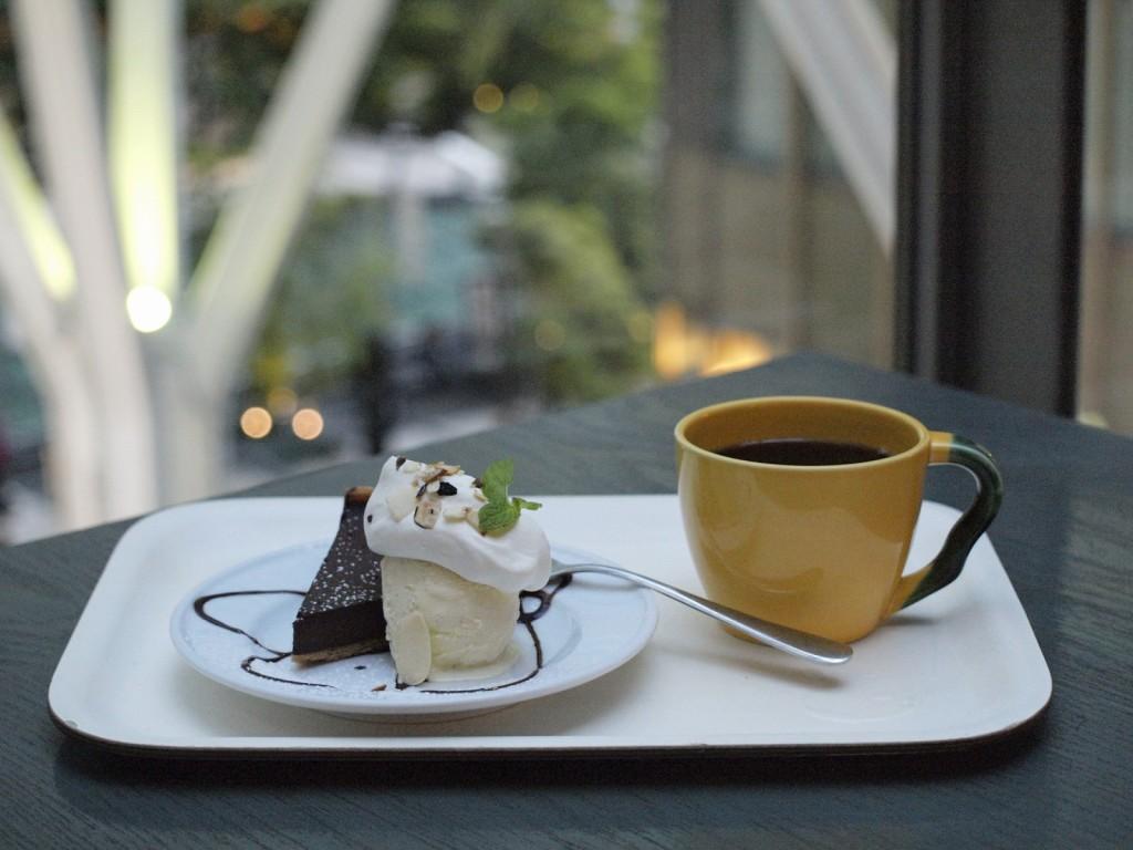 コーヒーに合うお菓子とは?相性と選び方