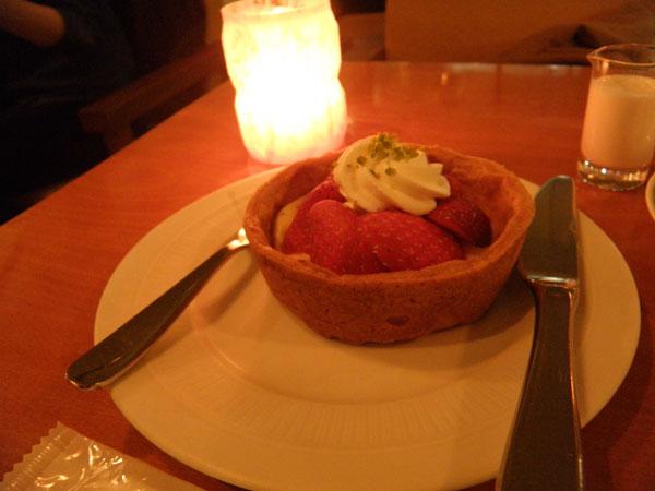 モントーク1番人気のデザート「いちごタルト」の味は?